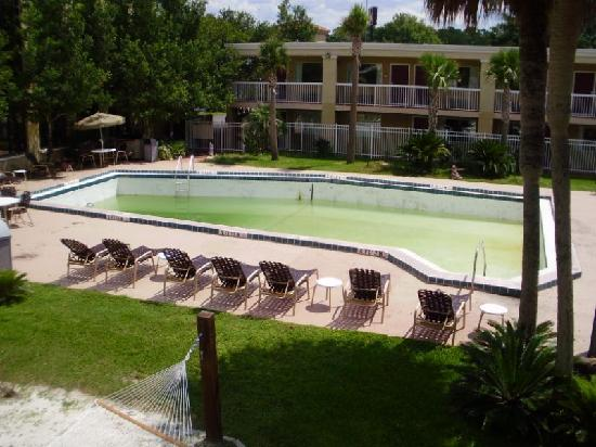 Gainesville Hotel and Conference Center: Pool condition since 8-08