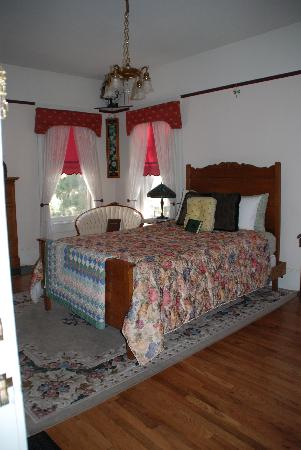 Starlight Pines B&B: One of their rooms
