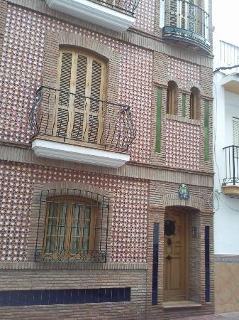 Hostal Abril : Front of apartment on a quiet Nerja residential street 