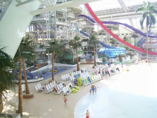 West Edmonton Shopping Mall with Waterpark 2 Picture of