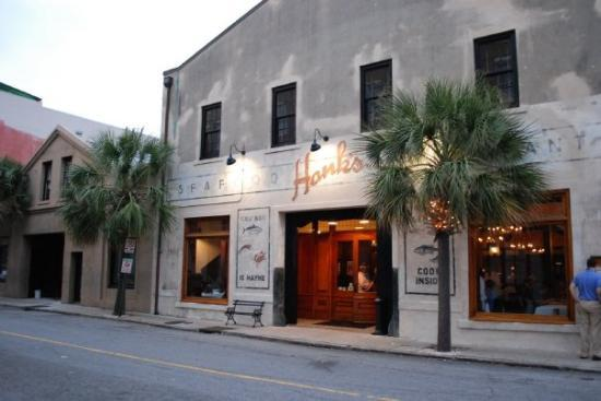 Hank 39 s seafood restaurant charleston sc picture of for Fish restaurant charleston sc