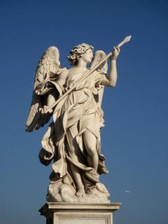Statue on the Ponte Sant'Angelo - Picture of Castel Sant'Angelo, Rome...