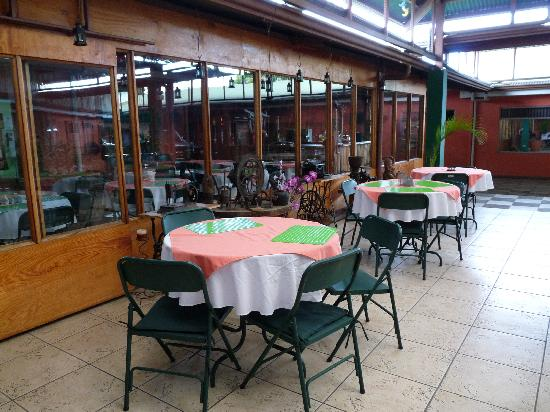 Green House Hostel eating area