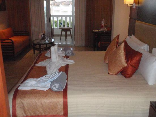 Palaps ta laguna suits picture of grand riviera princess all suites