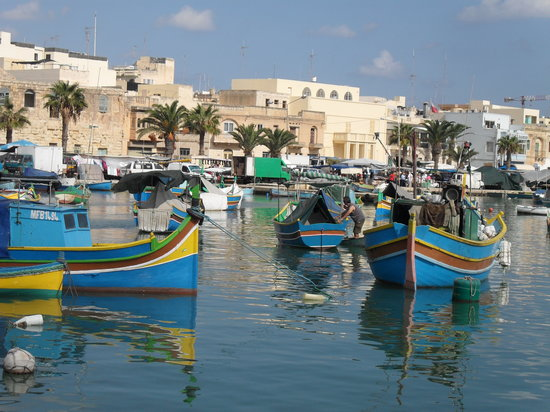 St. Paul's Bay, Malta: pretty boats!