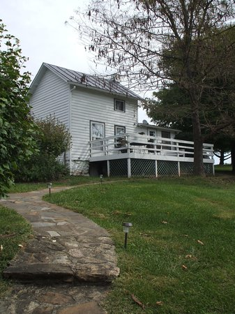 Photo of Sharp Rock Farm Bed and Breakfast Sperryville