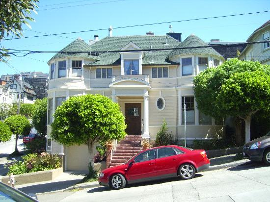 Mrs doubtfires house picture of san francisco movie for San francisco mansion tour