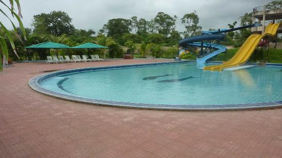 Silvassa, Indien: Swimming Pool area