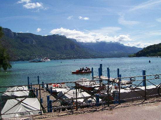Lake annecy picture of splendid hotel annecy tripadvisor for Lake annecy hotels swimming pool