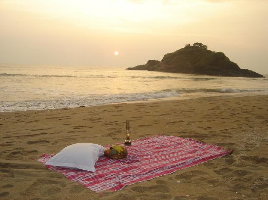 Karwar, India: Romance in the beach