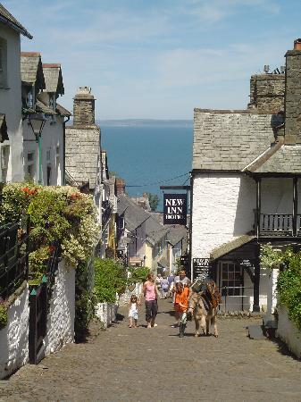 Clovelly, UK: Down along