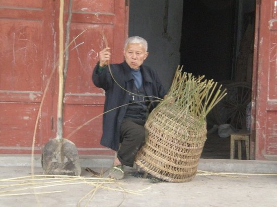 Chongqing, : Basket weaver, Chongqing
