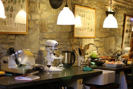 Best kitchen ever picture of casa ombuto cooking schools in tuscany poppi tripadvisor - Best kitchens ever ...
