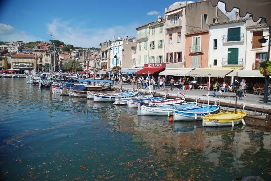 Cassis waterfont picture of cassis french riviera for Cassis france hotels