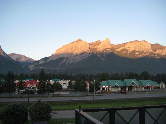 Econo Lodge Canmore: View from window