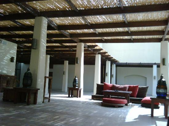 Ma'In Hot Springs: The Brown Bar (with sheesha)