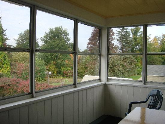 Briarcliff Motel: Spacious enclosed back porch