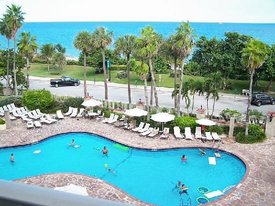 Beach Fun Picture Of Embassy Suites Deerfield Beach Resort Deerfield Beach Tripadvisor