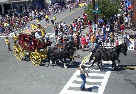 Truckee Hotel: Stagecoach: 4th of July Parade, Truckee