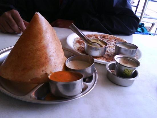 Chikamagalur, India: dosas and uttapas and rasamsa nd sambhars