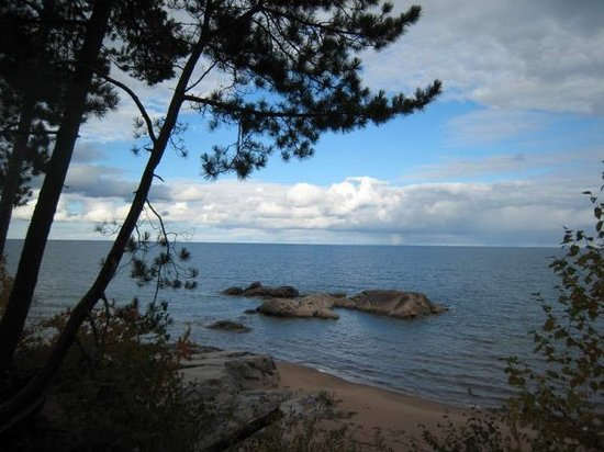 Marquette, MI : Little rock islands. 