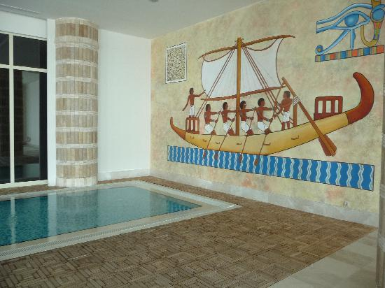 Horus Paradise Luxury Resort: Indoor pool