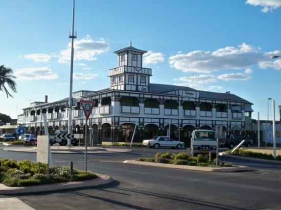Goondiwindi town center for Town house motor inn
