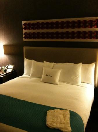 theWit, a Doubletree Hotel: the comfy bed