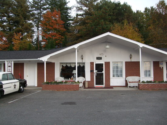 Mount Airy, NC: Front of Mayberry Motor Lodge