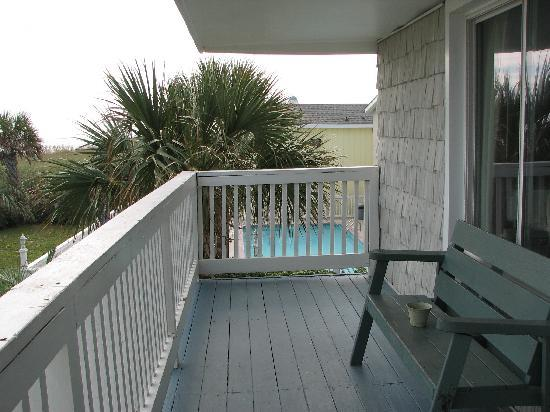 Dolphin Lane Motel: balcony