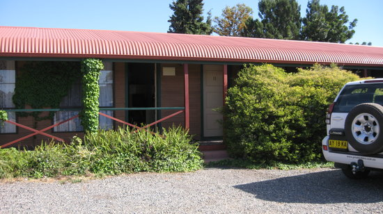 Burke & Wills Menindee Motel