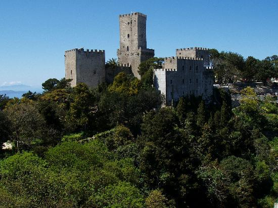norman-castle-at-erice.jpg