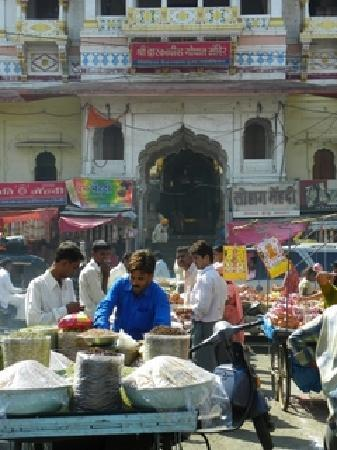 Ujjain, India: Gopal temple outside