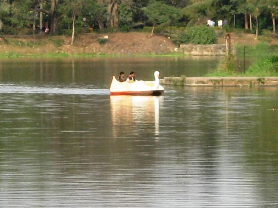 Jamshedpur, India: &#39;Boating&#39; in the Lake