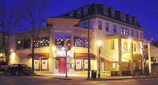 http://media-cdn.tripadvisor.com/media/photo-s/01/55/e9/91/chestnut-hill-hotel-at.jpg