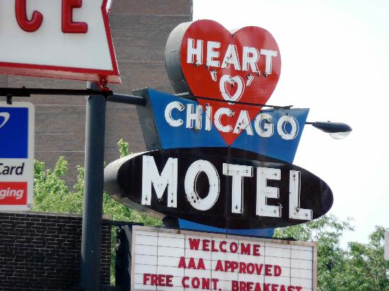 Heart O' Chicago Motel: Heart-o sign