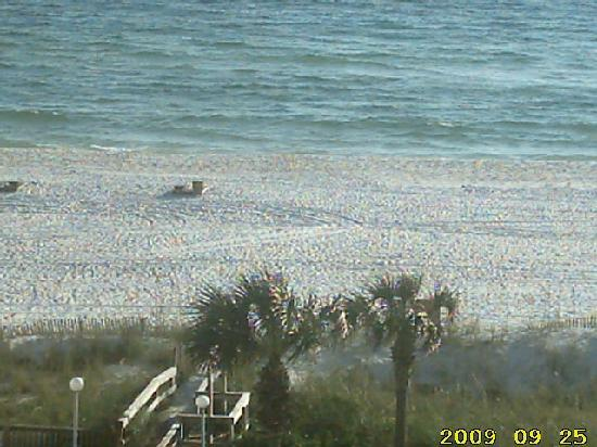 Top of the Gulf Suites: Beach view from Unit 603