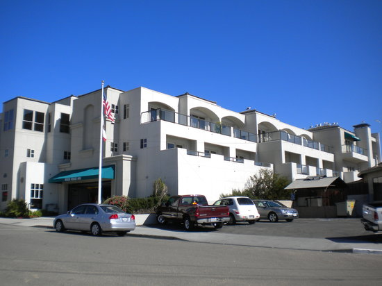 Beach House Inn and Suites: Beach Front View