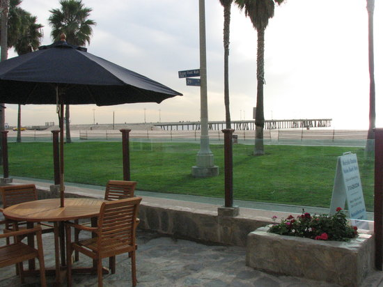 Venice On The Beach Hotel: View from the Patio