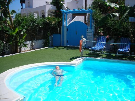 Parikia, Greece: pool area