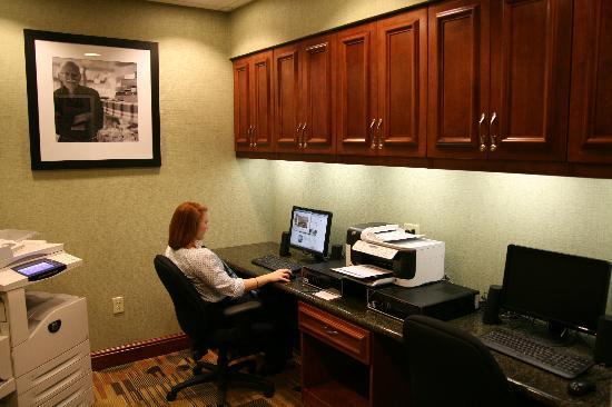Hampton Inn Presque Isle: Business Center open 24 hours offering complimentary copying, faxing & computer/internet usage.