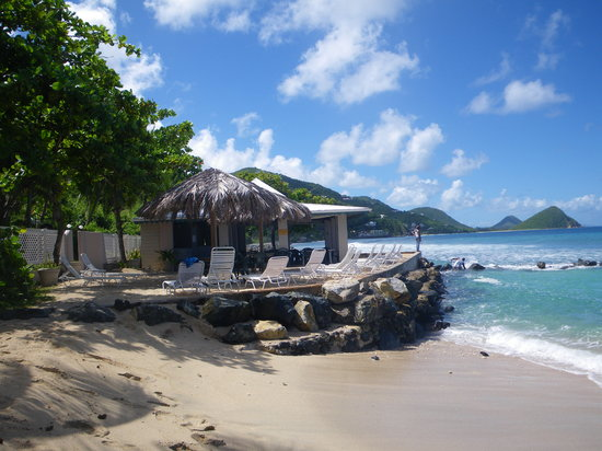 Sugar Mill Hotel: hotel beach