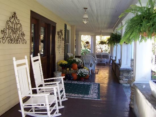 The Windover Inn Bed &amp; Breakfast: Fall display on front porch