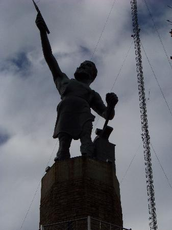 Birmingham, AL: World's Largest Cast Iron Statue
