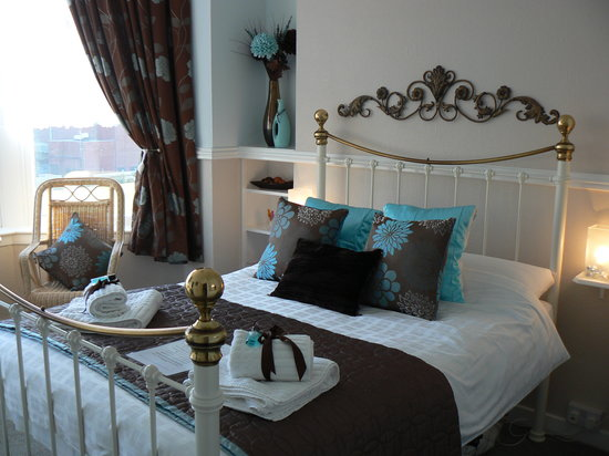 Bracondale Guest House: A superior double en-suite room.