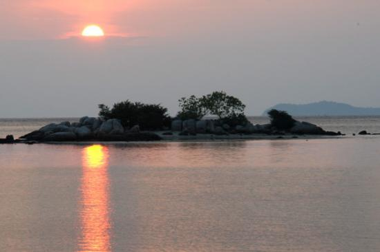Tanjung Pinang, Indonesia: Here it comes! The SUNRISE!