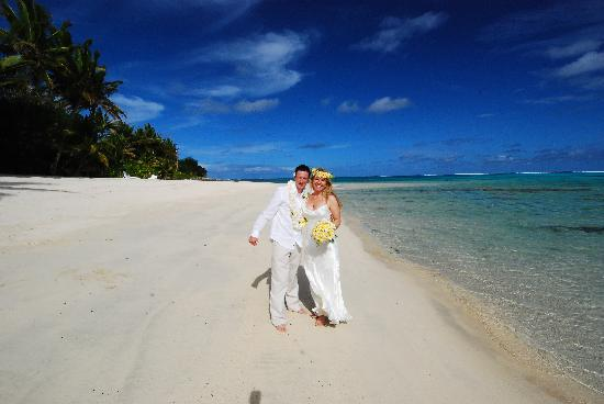 Titikaveka, Cook Islands: The Beach
