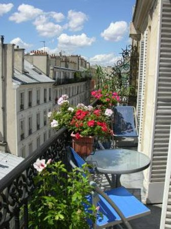 Appartement d'hotes Folie Mericourt: le balcon
