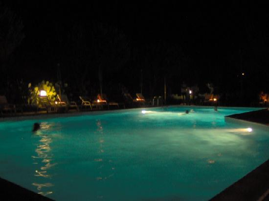 Casa Campanella Resort : serata in piscina