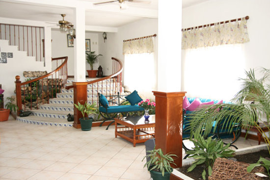 Photo of Hotel Casa Elena de las Flores